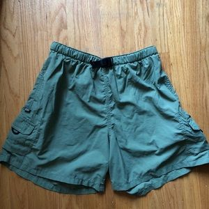 Columbia authentic issue green hiking shorts